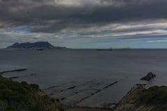 Утес залива Гибралтара и Algeciras стоковые фотографии rf