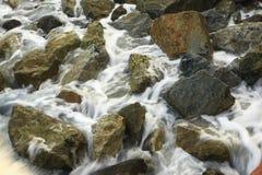 Утес и вода Стоковое фото RF