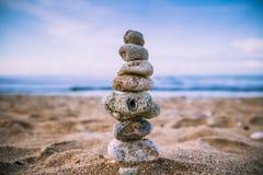 Утес и песок Стоковая Фотография