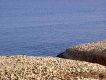 Утес & море Стоковая Фотография RF