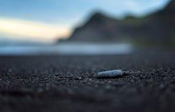 Утес на пляже Стоковое Изображение
