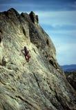 утес стороны альпиниста крутой Стоковое фото RF