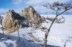 Утес шамана Burkhan накидки на острове Olkhon на озере Байкал Стоковая Фотография