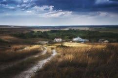 Утихомирите перед штормом около монастыря в степи области Астрахани, России Стоковые Изображения