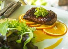 Утка жаркого с оранжевым и vetgetable Стоковая Фотография