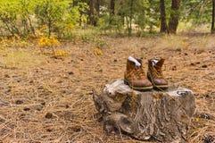 Утомленные пешие ботинки Стоковое фото RF