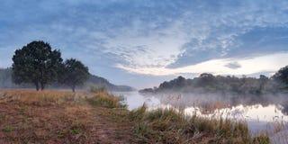 Утро в августе на реке Berezina Стоковая Фотография RF