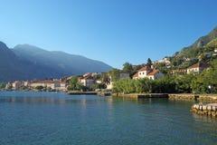 Утро в городке Prcanj, Черногории Стоковая Фотография