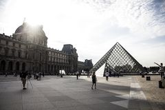 Утро в Лувре стоковые фотографии rf