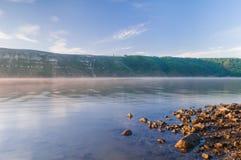 Утро на реке Днестре в Bakota Каньон Днестра, Ukrain Стоковое Фото