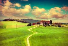 Утро на сельской местности в Тоскане Стоковое фото RF