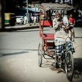 Утро на улице в старом Дели, Индии стоковое изображение rf