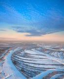 утро пущи морозное над космосами реки Стоковое Изображение RF
