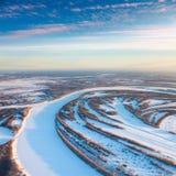 утро пущи морозное над космосами реки Стоковые Изображения RF