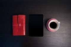 Утро с таблеткой и sketchbook Стоковое Изображение RF