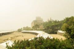 утро лужка тумана над водой Стоковая Фотография RF