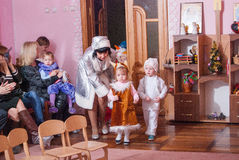 Утро ` s Нового Года в репортаже Lutsk 21 детского сада редакционном 12 2015 Стоковые Фото