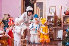 Утро ` s Нового Года в репортаже Lutsk 21 детского сада редакционном 12 2015 Стоковая Фотография