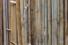 Утюг для стабилизируя бетона на стороне конструкции стоковая фотография rf