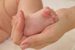 Уход за детями матери Стоковая Фотография RF