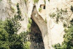 Ухо пещеры известняка Dionysius Orecchio di Dionisio с необыкновенным †«Сиракузо стоковая фотография