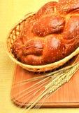 Ухо свежего хлеба и пшеницы на древесине Стоковая Фотография RF