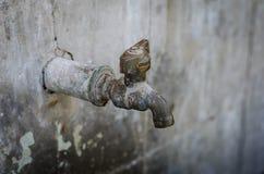 Ухудшенная старая Faucet Стоковая Фотография