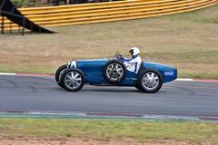 участвовать в гонке автомобиля исторический стоковое изображение rf