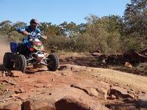 участвовать в гонке квада мотоцикла Стоковое Изображение RF