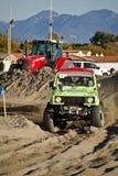участвовать в гонке пляжа 4x4 Стоковые Фотографии RF
