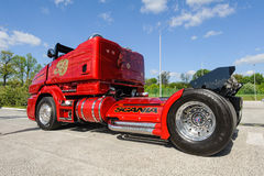 Участвовать в гонке подгонянная тележка Scania R999 стоковые фотографии rf