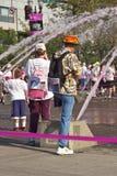 Участвуйте в гонке для события Портленда Орегона осведомленности лечения Стоковые Фотографии RF