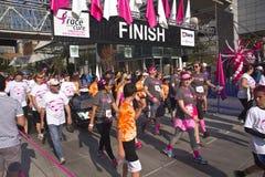 Участвуйте в гонке для события Портленда Орегона осведомленности лечения Стоковая Фотография