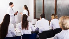 Ученые на курсах подготовки Стоковая Фотография