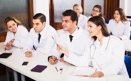 Ученые на курсах подготовки Стоковое фото RF