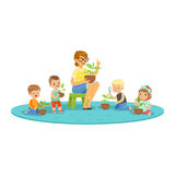 Учитель и дети уча о заводах во время урока ботаники, дети смотря через шарж увеличителя красочный детальный Стоковое Фото