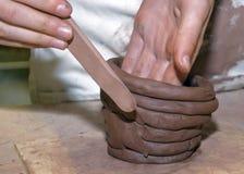 учителя прессформы рук глины искусства Стоковые Фото