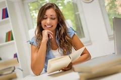 Учить девушки студента Стоковое Фото
