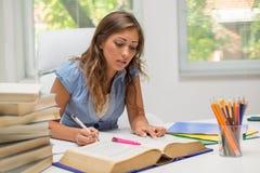 Учить девушки студента Стоковая Фотография RF