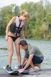 Учить к wakeboarding на озере Стоковая Фотография RF