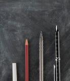 Учить/образование/концепция успеха роста - побелите мелом к роскошной ручке Стоковая Фотография