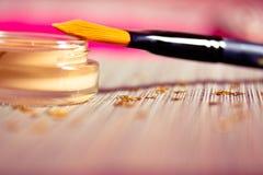 учредительство щетки красотки делает продукт вверх Стоковая Фотография RF
