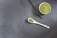 Учтены, что будет горизонтальное фото порошка moringa moringa superfood Moringa oleifera стоковое фото rf
