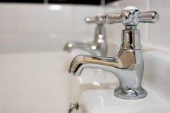 ушат faucets ванны Стоковое фото RF