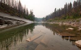 Ущелье заводи луга на южной вилке Flathead реки в районе дикой природы Bob Marshall в Монтане США Стоковые Фото