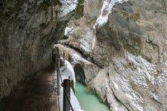 Ущелье Partnach в зимнем времени Garmisch-Partenkirchen Германия Стоковая Фотография RF