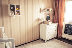 Уютная комната детей в ретро винтажном стиле Стоковые Фото