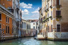 Уютные дворы Венеции стоковые изображения