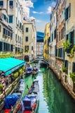 Уютные дворы Венеции стоковая фотография rf