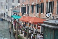 Уютные рестораны Венеции стоковое фото rf